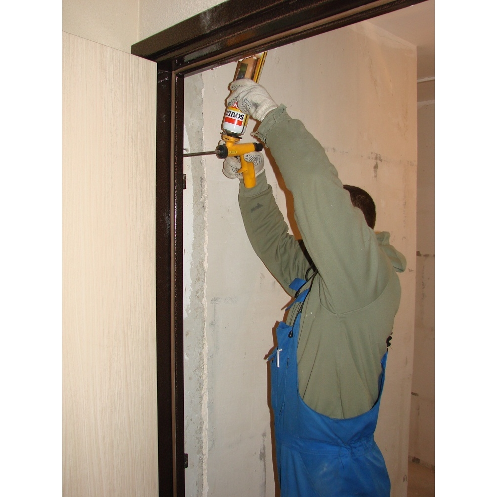 стоимость установки металлической двери в квартиру